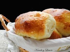 Kanela y Limón: Panecillos de yogurt paso a paso Pan Dulce, Pan Bread, Bread Cake, Donuts, Spanish Dishes, Kitchenaid, Artisan Bread, Dessert Recipes, Desserts