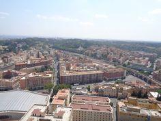 Vista de Ciudad del Vaticano, desde Cupula de Basilica de San Pedro.