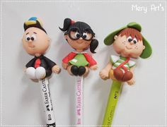 .:Mery Art's:.: Lápis Decorado: Turma do Chaves Polymer Clay People, Polymer Clay Pens, Pen Toppers, Jumping Clay, Chesire Cat, Clay Mugs, Play Clay, Clay Figurine, Pasta Flexible