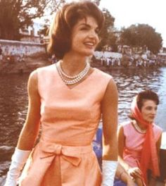 Jackie Kennedy, love the pearl necklace!