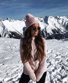 winter outfits travel m Seguidores, 235 A se - winteroutfits Winter Mode Outfits, Winter Outfits Women, Winter Fashion Outfits, Winter Photography, Photography Poses, Travel Photography, Photo Ski, Yoga Mode, Pullover Mode