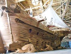 Friends Use Recycled Cardboard Boxes to Build Amazing Life-Size Pirate Ship!
