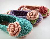 Botines del bebé del ganchillo y flor Diademas Por JennOzkan en Etsy
