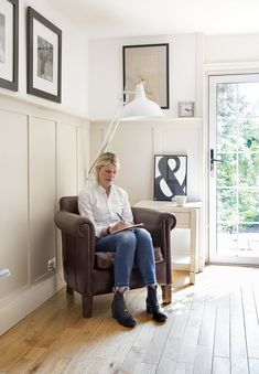 Tour This Fun Eclectic Family Home in Scotland — MDF painted in 'Clunch' by Farrow & Ball. Farrow Ball, Farrow And Ball Paint, Farrow And Ball Living Room, Farrow And Ball Kitchen, Wainscoting Height, Painted Wainscoting, Living Room Panelling, Dado Rail Living Room, Ideas