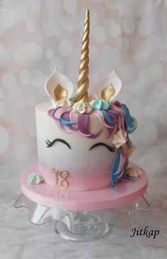 Unicorn cake by Jitkap Unicorn cake by Jitkap Unicorne Cake, Cupcake Cakes, Beautiful Cakes, Amazing Cakes, Bolo Fondant, Salty Cake, Birthday Cake Girls, Unicorn Birthday Cakes, Girl Cakes