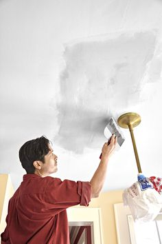 How to put a fresh face on brown, blistered, water-damaged drywall Plaster Ceiling Repair, Repair Ceilings, Drywall Ceiling, Bathroom Repair, Water Damage Repair, Mask Painting, Painted Trays, Home Organization Hacks, Home Repairs
