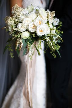 Flowers by Mckenzie Powell Designs Four Seasons Seattle photos by La Vie Photography