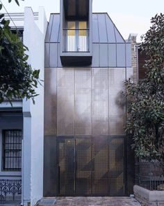 Atelier Dau adds kinetic bronze facade to Chimney House in Sydney Bartlett School Of Architecture, Architecture Student, Modern Architecture, Timber Battens, 1 Gif, Front Rooms, House Stairs, Polished Concrete, House Extensions