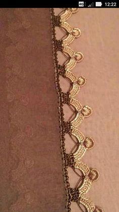Untitled Crochet Boarders, Crochet Lace Edging, Filet Crochet, Diy Crochet, Baby Knitting Patterns, Saree Kuchu Designs, Saree Tassels, Knit Shoes, Crochet Edgings