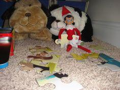 Elf on the Shelf Assembles Puzzle