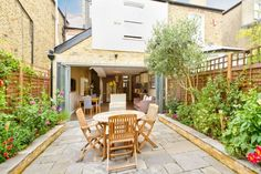 small patio with parade ascot vale victoria