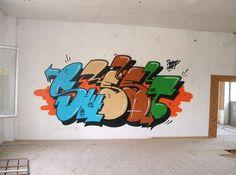Sweet Uno (SUECIA) Graffiti Art, Graffiti Words, Graffiti Writing, Graffiti Alphabet, Alfabeto Graffiti, Street Art Photography, Graffiti Characters, Public Art, Art Supplies