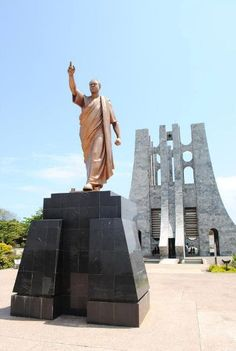 Kwame Nkrumah statue in Accra