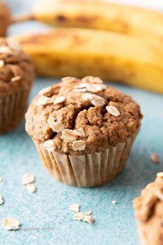 Gluten Free Banana Oat Muffins (Vegan) - Beaming Baker Sub canola for coconut oil Banana Blueberry Muffins, Banana Oats, Banana Chocolate Chip Muffins, Chocolate Chips, Banana Bread, Oatmeal Muffins, Paleo Chocolate, Oatmeal Cookies, Chocolate Cookies