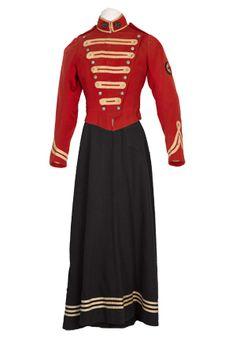 Pre-war First Aid Nursing Yeomanry uniform of Lilian Franklin, circa 1909.