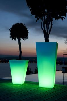 15 Illuminated Planters That You Would Like To Have It In Your Outdoor Place