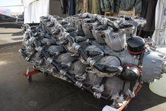 Pratt & Whitney (via) Fuel breathing monster. Aircraft Engine, Ww2 Aircraft, Aircraft Photos, Jet Engine, Diesel Engine, Motor Engine, Motor Radial, Ferrari Sign, Radial Engine
