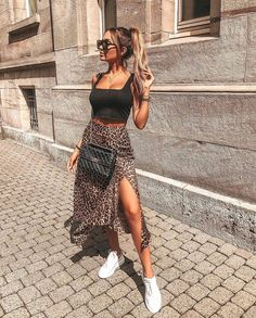 34 Cute Casual Outfits with White Sneakers Fashion 2020, Look Fashion, Womens Fashion, 70s Fashion, Classy Fashion, Winter Fashion, French Fashion, Korean Fashion, Fashion Dresses
