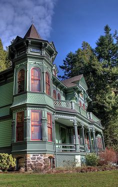 CURB APPEAL – another great example of beautiful design. Victorian home.