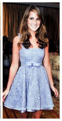 Vestido azul em renda renascença FONTE DESTA IMAGEM: iNTERNET