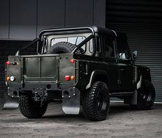 """UK´s leading automotive fashion house Kahn Design"""", just keep surprising us with their spectacular Land Rover Defender conversions. The Land Rover Defender Double Cab Pickup – Chelsea Wide Track, has the classic styling of the Land Rover Defender, b"""