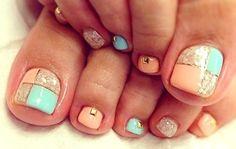 10 Super Cute Pedicure Trends: #5. Pastel Tiles