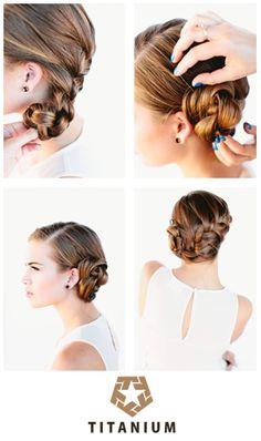Veja no nosso blog o passo-a-passo desse penteado lindo e simples! http://www.titaniumjeans.com.br/blog/index.php?id=161