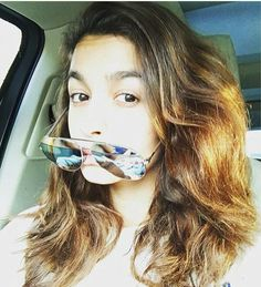 Alia Bhatt new selfie on the sets of Badrinath Ki Dulhania