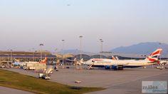Vorfeld des Flughafen Hong Kongs - Check more at https://www.miles-around.de/trip-reports/first-class/emirates-airbus-a380-800-first-class-bangkok-nach-hong-kong/,  #A380-800 #Airbus #Airport #avgeek #Aviation #Bangkok #BKK #Dusche #Emirates #EmiratesLounge #FirstClass #Flughafen #HKG #HongKong #Lounge #Suite #Trip-Report