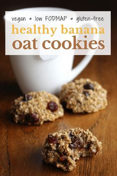 A super simple healthy, vegan and low FODMAP banana oat cookies recipe! These cookies are perfect for a healthy snack or breakfast. Healthy Oat Cookies, Banana Oat Cookies, Banana Oats, Healthy Snacks, Healthy Eating, Healthy Oat Recipes, Quinoa Cookies, Vegetarian Recipes, Healthy Muffins