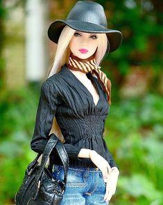 The great pretender Doll Clothes Barbie, Vintage Barbie Dolls, Barbie Dress, Bad Barbie, Barbie Model, Bjd, Fashion Royalty Dolls, Fashion Dolls, Love Fashion
