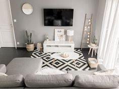 Comfy Minimalist Living Room Design Ideas ~ Home Decor Journal Home Living Room, Apartment Living, Interior Design Living Room, Living Room Designs, Living Room Decor Inspiration, Bedroom Decor, Home Decor, Salons, Minimalist Living