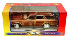 1979 Chrysler   LeBaron Town & Country (Showcasts Die Cast Scale 1:24, Sable Tan DieCast Cars