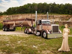 Calendar shoot featuring Peterbilt trucks and fashionably dressed women. Peterbilt 359, Peterbilt Trucks, Trucks And Girls, Car Girls, Heavy Construction Equipment, Scooter Bike, Cab Over, Four Wheel Drive, New Trucks
