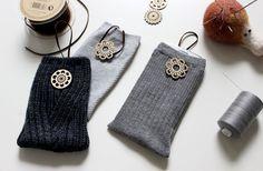 Old socks turn in mobile case. Mobile Cases, Socks, Knitting, Sewing, Crochet, Fabric, Diy, Crochet Hooks, Tejido