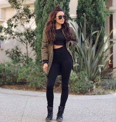 DESI • PERKINS || Bomber - Windsor | Top - Forever21 | Pants - Amazon (high waisted leggings)