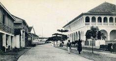 La Rue Bouet à Grand Bassam en Côte D'Ivoire en Afrique de L'Ouest