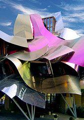 Arquitectura Deconstructivista | José Miguel Hernández Hernández | www.jmhdezhdez.com Futuristic Architecture, Beautiful Architecture, Contemporary Architecture, Art And Architecture, Contemporary Apartment, Chinese Architecture, Unusual Buildings, Interesting Buildings, Amazing Buildings