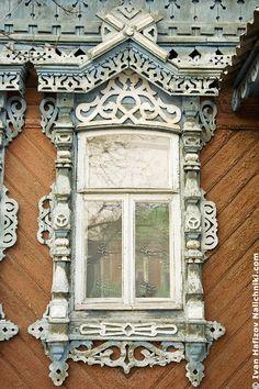 Традиционный русский наличник