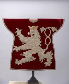 Bohême (Bohemia) -- Wappenrock für den Herold des Königs von Böhmen, 17. Jahrhundert -- See also at: http://commons.wikimedia.org/wiki/File:Weltliche_Schatzkammer_Wien_(286).JPG