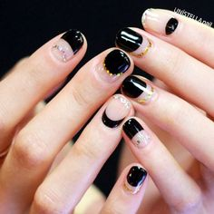 Black mini moon variation #olivenailart