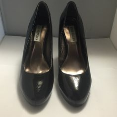 """Excellent condition! Steve Madden Black Patent (Man Made) Pumps 9M With 4.75"""" Heels. Steve Madden Shoes Heels"""