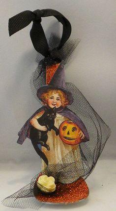 Altered spoons for Halloween decor Halloween Paper Crafts, Halloween Doodle, Halloween Ii, Halloween Ornaments, Halloween Items, Halloween Projects, Halloween Cards, Holidays Halloween, Holiday Crafts