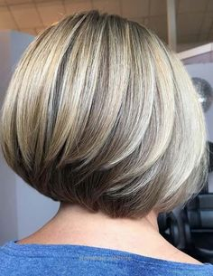 Trending Stacked Bob Hairstyles For Women 2018 2019 43 Short Layered Bob Haircuts, Stacked Bob Hairstyles, Bob Haircuts For Women, Long Bob Hairstyles, Short Hair Cuts, Short Hair Styles, Short Bob With Layers, Creative Hairstyles, Hair Highlights