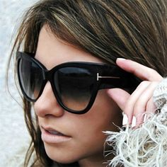 Hombres Mujeres Negro Ojo De Gato Gafas De Sol Moda T carta Anteojos Gafas  Retro Cortinas 118af813810f