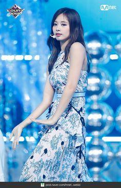 Tzuyu goddess of beauty Nayeon, Kpop Girl Groups, Korean Girl Groups, Kpop Girls, Taiwan, Chou Tzu Yu, Show Dance, Tzuyu Twice, Dahyun