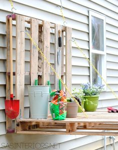 This DIY Space-Saving Potting Bench Will Totally Change How You Garden - Jenna Burger Pallet Gardening Table