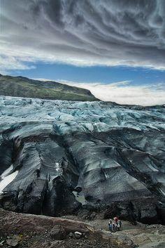 Skaftafellsjökull Glacier - Iceland Photo by Guilhem de Cooman (flickr gallery : http://www.flickr.com/photo... and website : http://www.gdecooman.fr)