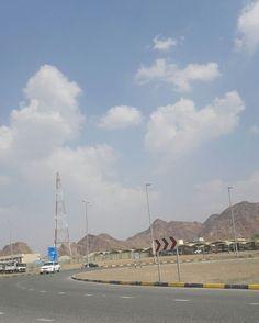 #شبكة_أجواء : #الإمارات : ظهور بعض السحب في #مسافي من #المطارد_عاشق_المطر .  @g.s.chasers  @alyasatnet