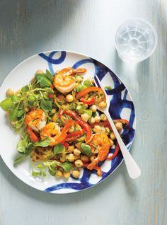 Salade de pois chiches, de crevettes, de poivrons et de persil Recettes | Ricardo